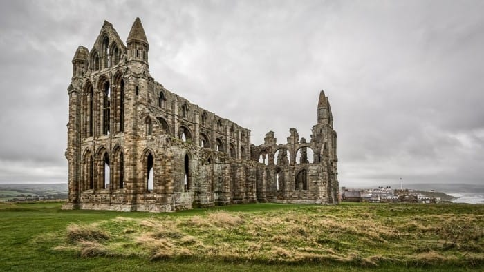 History Through Vacations. whitby abbey history. Image by Tim Hill from Pixabay