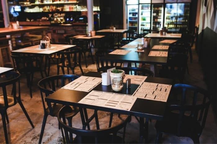 restaurant sales. image by Karolina Grabowska from pixabay